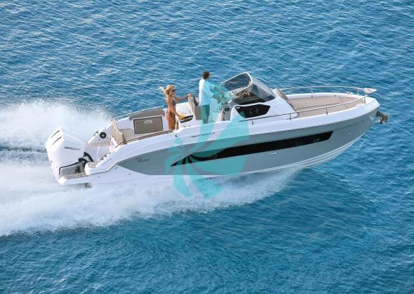 RANIERI Next 285 LX Luxury Sundeck Boat
