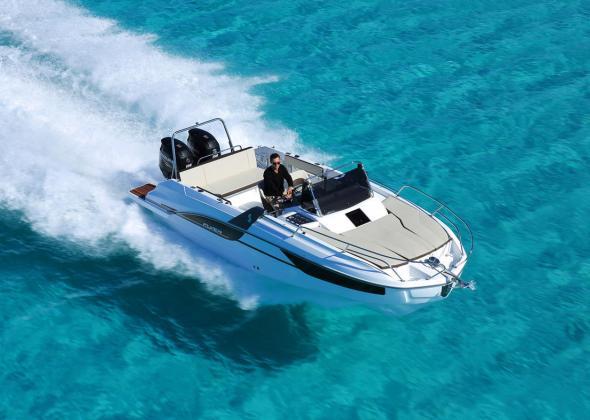 Cabin Cruiser BENETEAU Flyer 7.7 Sundeck