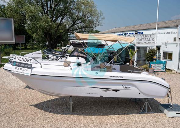 RANIERI Shadow 22 STOCK Sundeck Boat
