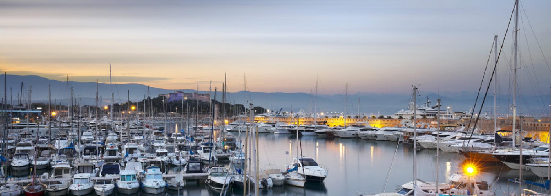 Place de Port 16 mètres Antibes Port Vauban à vendre