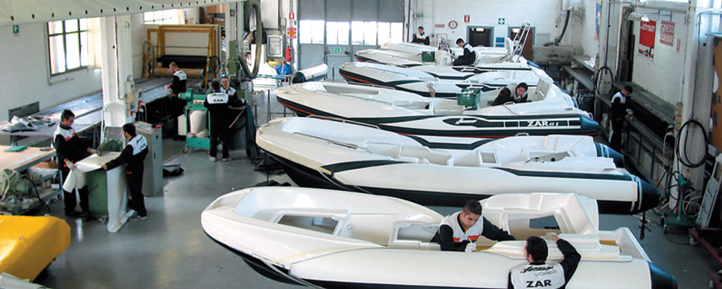 Zar Formenti shipyard located in Italy - production line