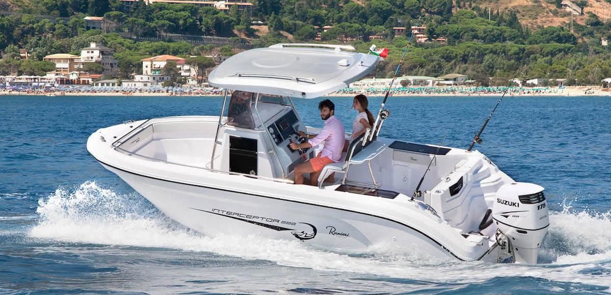 Ranieir Interceptor 222, a vendre chez Amber Yachting