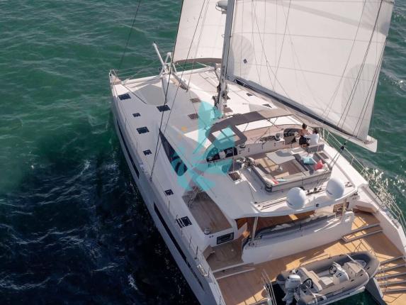 Catamaran Privilège série 6 - A vendre d'occasion Amber Yachting - Mandelieu-la-Napoule (06)