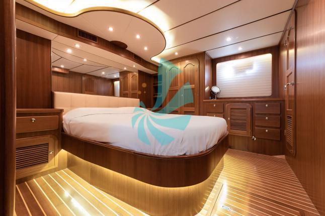 Cabine Adagio 58 Europa Trawler transatlantique - A vendre bateau d'occasion Amber Yachting - Mandelieu-la-Napoule (06)